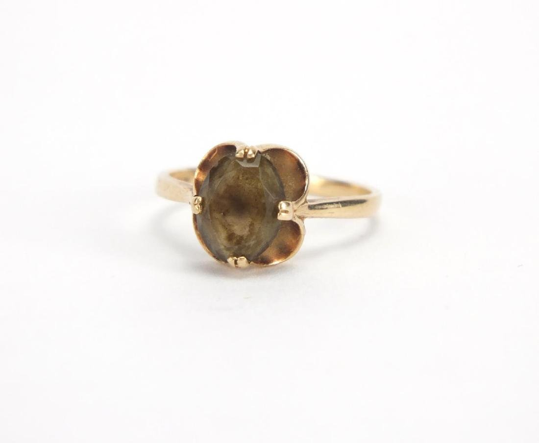 9ct gold smoky quartz ring, size M, approximate weight 2.2g