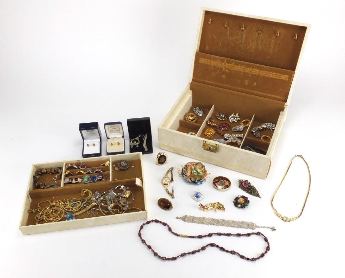 Vintage and later jewellery including a silver harp brooch, micro mosaic brooch, necklaces, rings