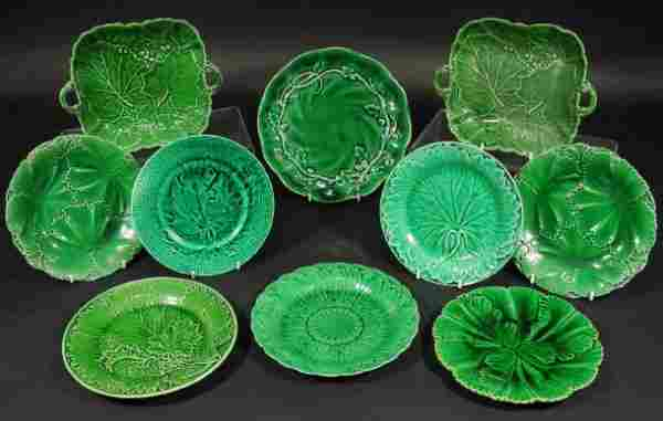 538: Ten Victorian Majolica green leaf plates including