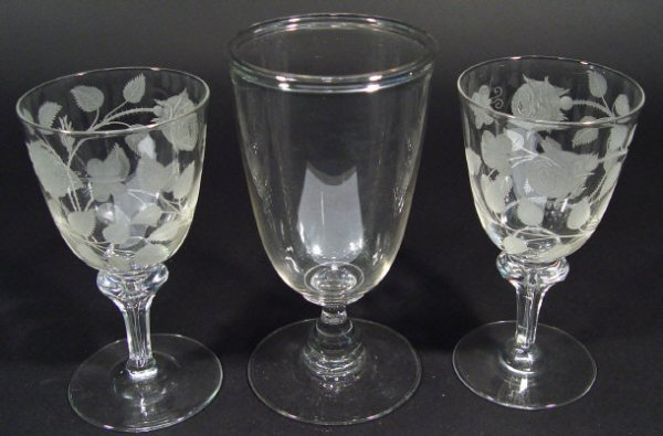 1224: Victorian cut glass goblet, 20cm high
