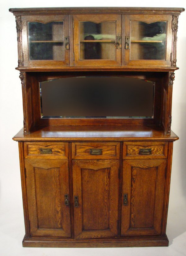 13: Oak Arts and Crafts style dresser, the superstructu