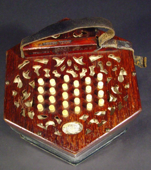 554: Lachenal and Company 46 key patent duet concertina - 2