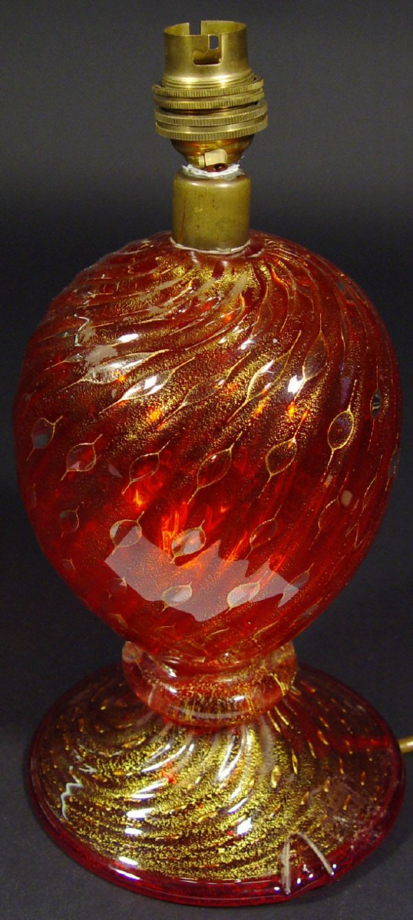1212: Murano fluted glass table lamp with gold and bubb