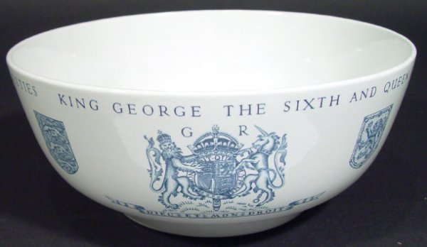 1228: Wedgwood Keith Murray 1937 Coronation bowl with b