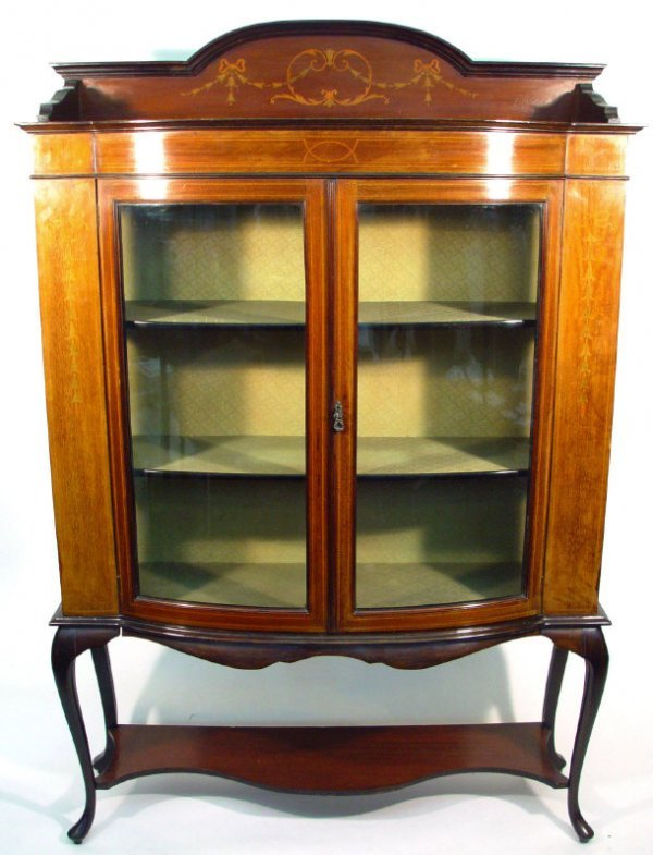 4: Edwardian mahogany bow fronted china cabinet with sw