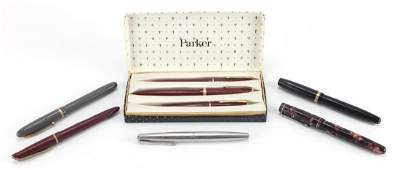 Five vintage fountain pens and a Parker fountain,