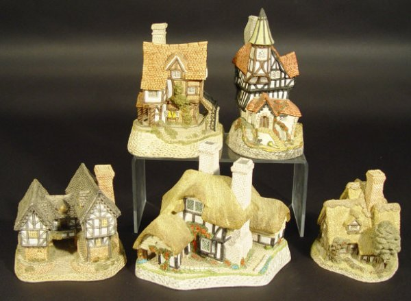 1214: Five David Winter cottages comprising Lacemaker's