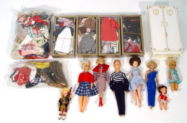 1356: Collection of 1960s/70s composite dolls and a lar