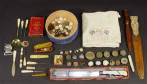 497: Objects including coinage, costume jewellery, glas