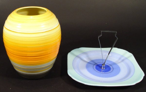 1208: Shelley Art Deco Harmonyware vase and cake stand,