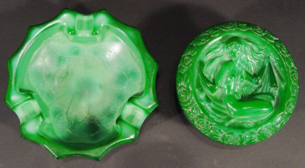 1219: Czechoslovakian green glass pot and cover, the li