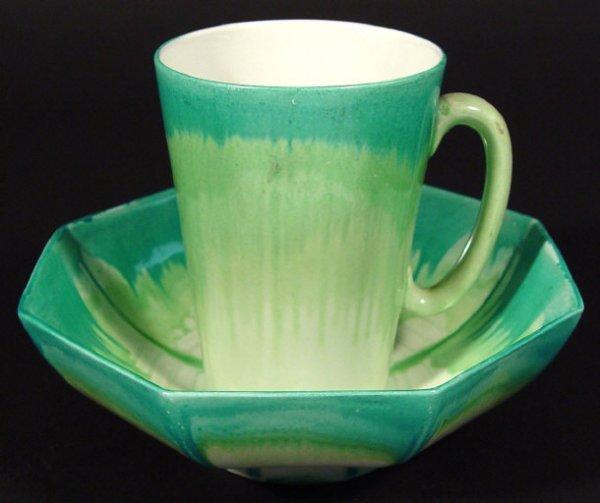 1211: Art Deco Shelley Harmonyware mug and octagonal bo