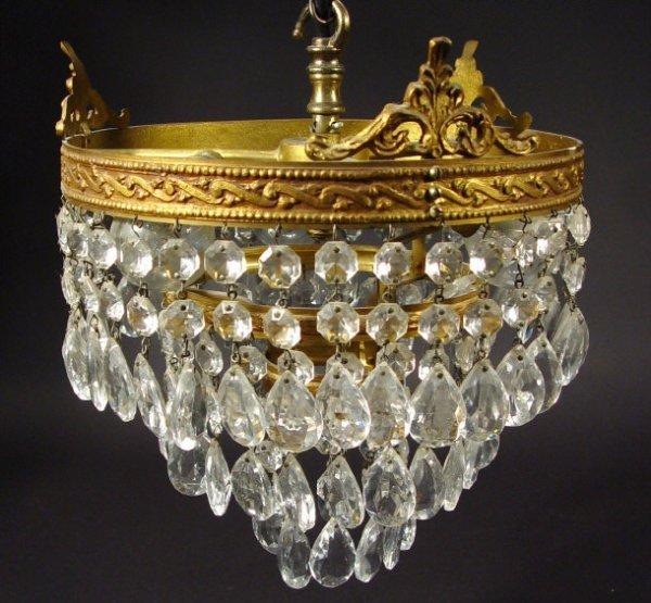 1323: Brass and cut glass bag chandelier, 25cm diameter