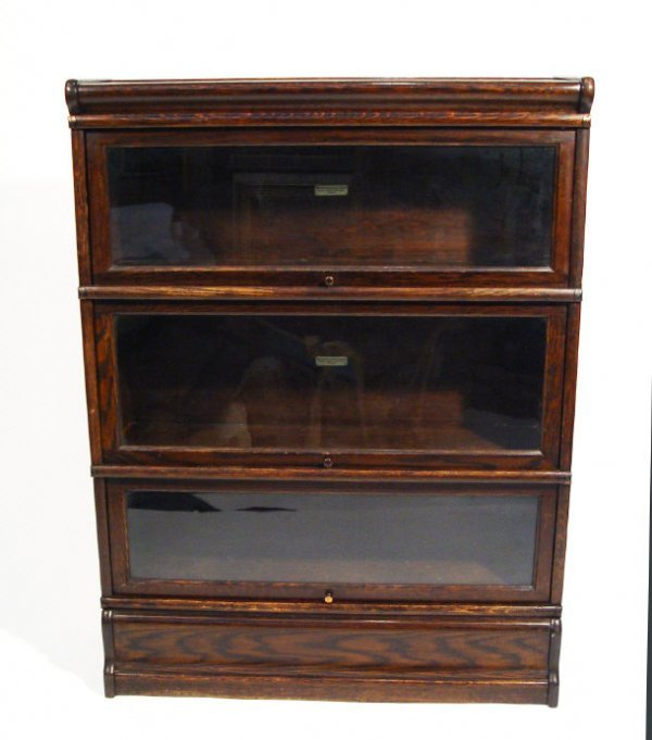 22: Globe Wernicke oak three section bookcase with moul