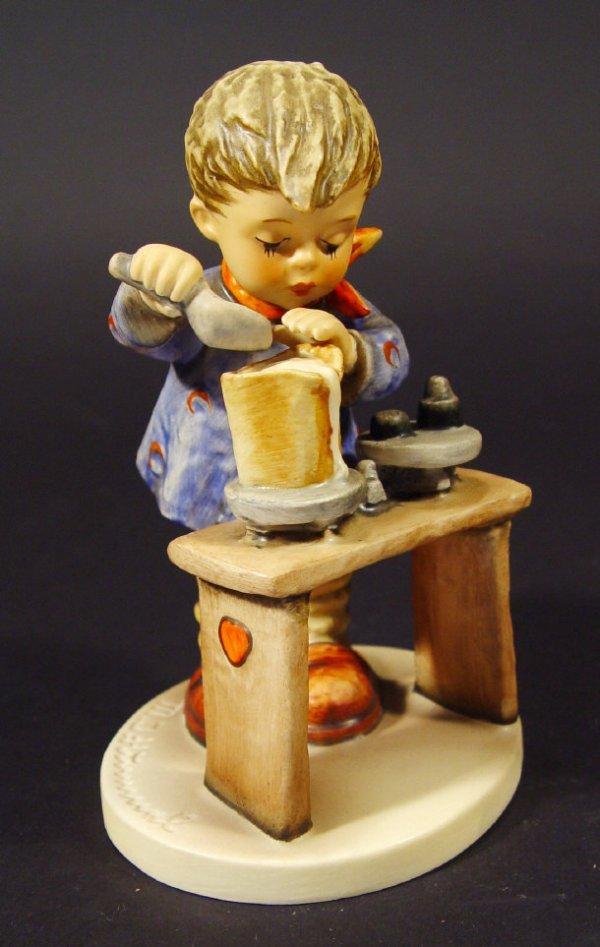 1206: Goebel Hummel china figurine 'A Fair Measure', wi