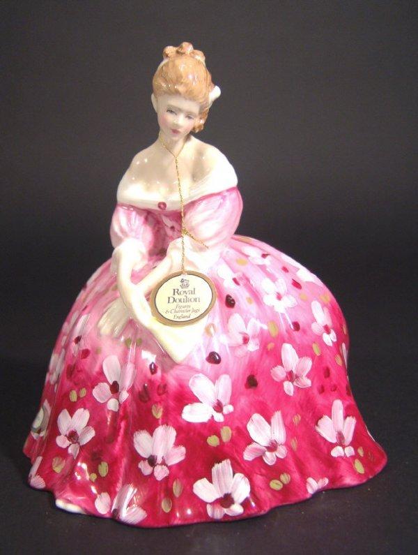 1212: Royal Doulton figurine 'Victoria' HN2471, printed