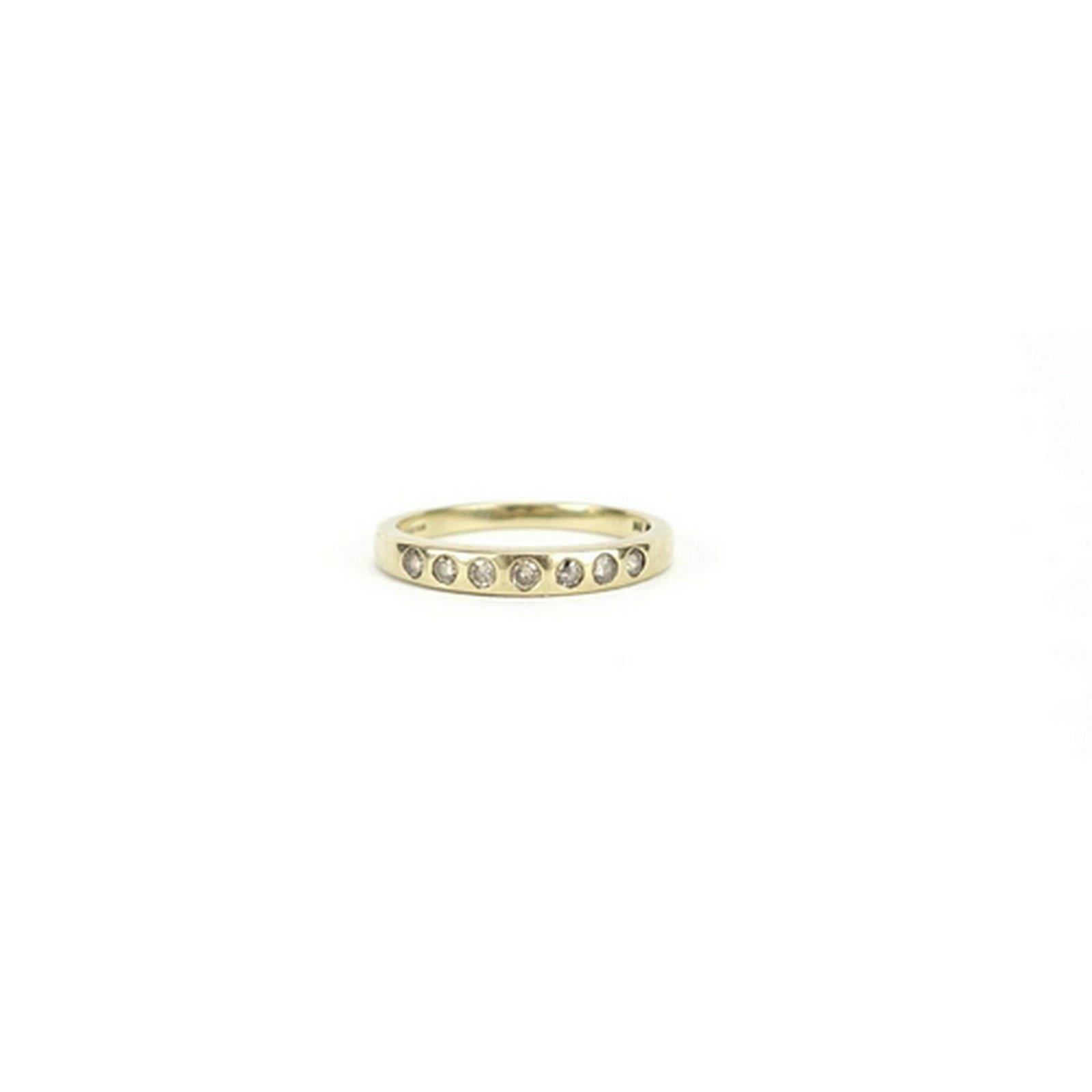 9ct gold diamond half eternity ring, size O, 1.9g