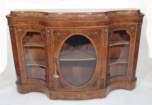 5: A good 19th century walnut and marquetry serpentine