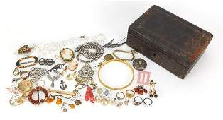 Antique and later jewellery including 9ct gold back and