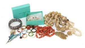 Costume jewellery including horn beaded necklace, coral