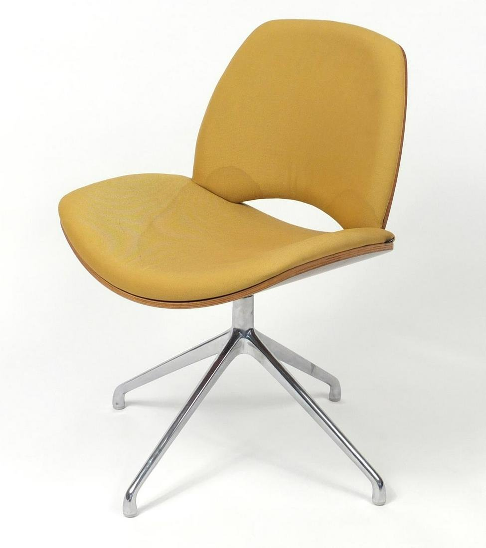 Contemporary Frovi Era swivel chair with yellow