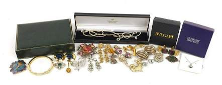 Vintage and later costume jewellery including a