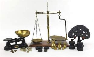 Vintage kitchenalia and a pair of brass balance scales