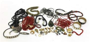 Vintage and later costume jewellery including an Estee