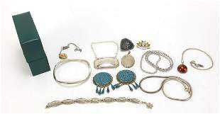 Silver jewellery including Mexican earrings, amber