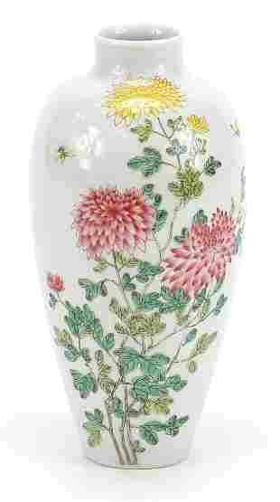 Chinese porcelain vase finely hand painted in the