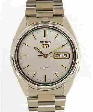 Seiko 5, gentlemen's automatic wristwatch with day date