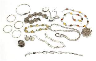Silver jewellery including amber coloured necklace,