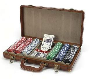 Good quality brown leather poker set with suede