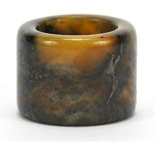 Chinese hardstone archer's ring, 3.5cm in diameter