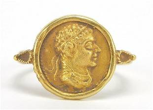 Antique gold Roman head coin ring, size ...