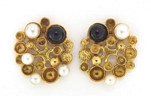 Stuart Devlin, pair of 18ct gold amethys...