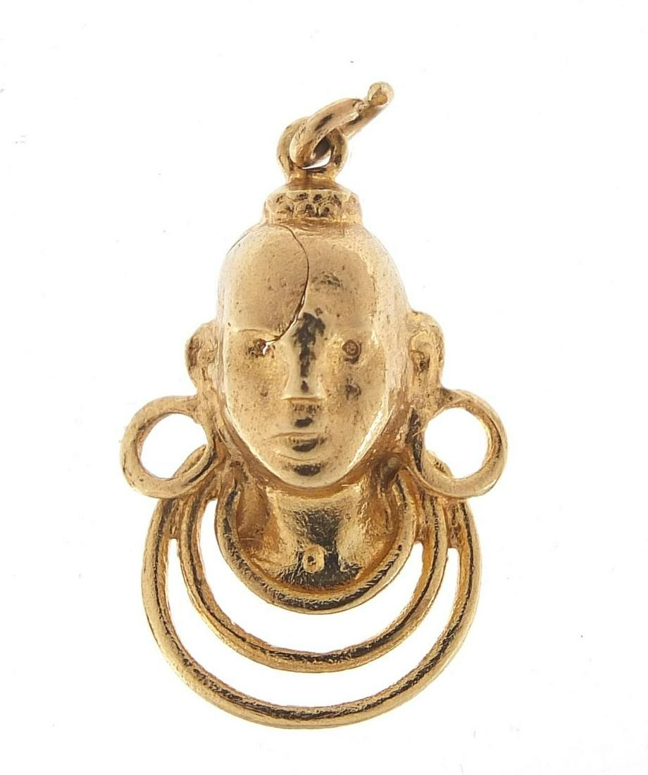 9ct gold African bust charm, 2.5cm high,...
