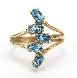 9ct gold blue topaz ring, size N/O, 3.4g