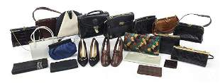 Predominantly vintage ladies handbags, c...