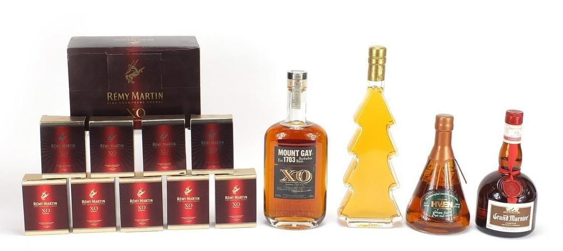 Alcohol comprising nine 5cl bottles of R...