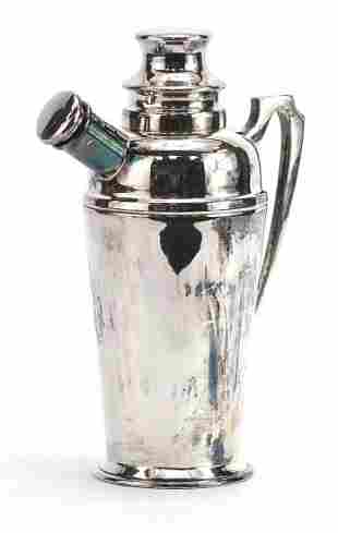 Art Deco silver plated cocktail shaker, ...