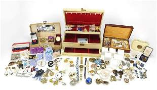 Vintage and later jewellery including a ...