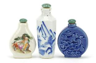 Three Chinese porcelain snuff bottles in...