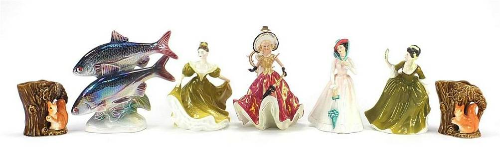 Collectable china including Royal Doulto...