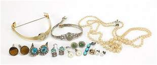 Antique and later jewellery including si...