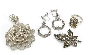 Silver jewellery including marcasite ear...
