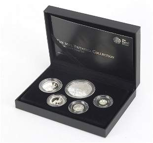 Elizabeth II 2013 Britania collection fi...