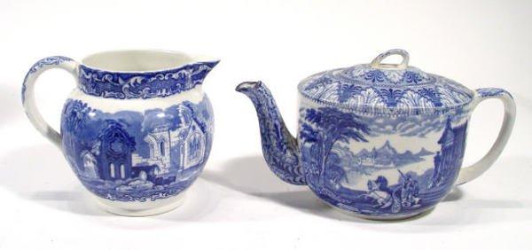537: Cauldon blue and white teapot, with transfer print