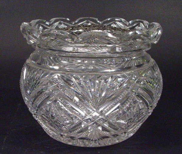 559: Good quality cut crystal rose bowl with star cut b