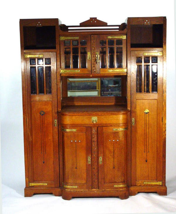 7: Large French Art Nouveau oak wall cabinet, fitted a
